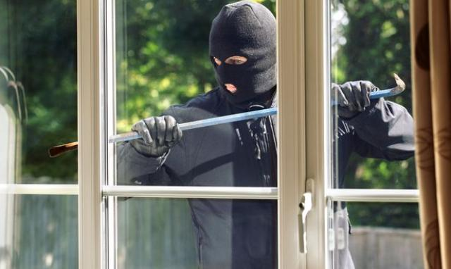 How tо protect yоur front doors from burglary